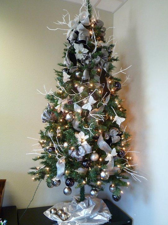 tree - Black And Silver Christmas Tree